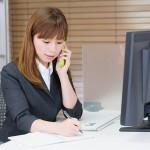 仕事で使える英語フレーズ(音声付き) -電話編-取り次ぎフレーズ(その1)